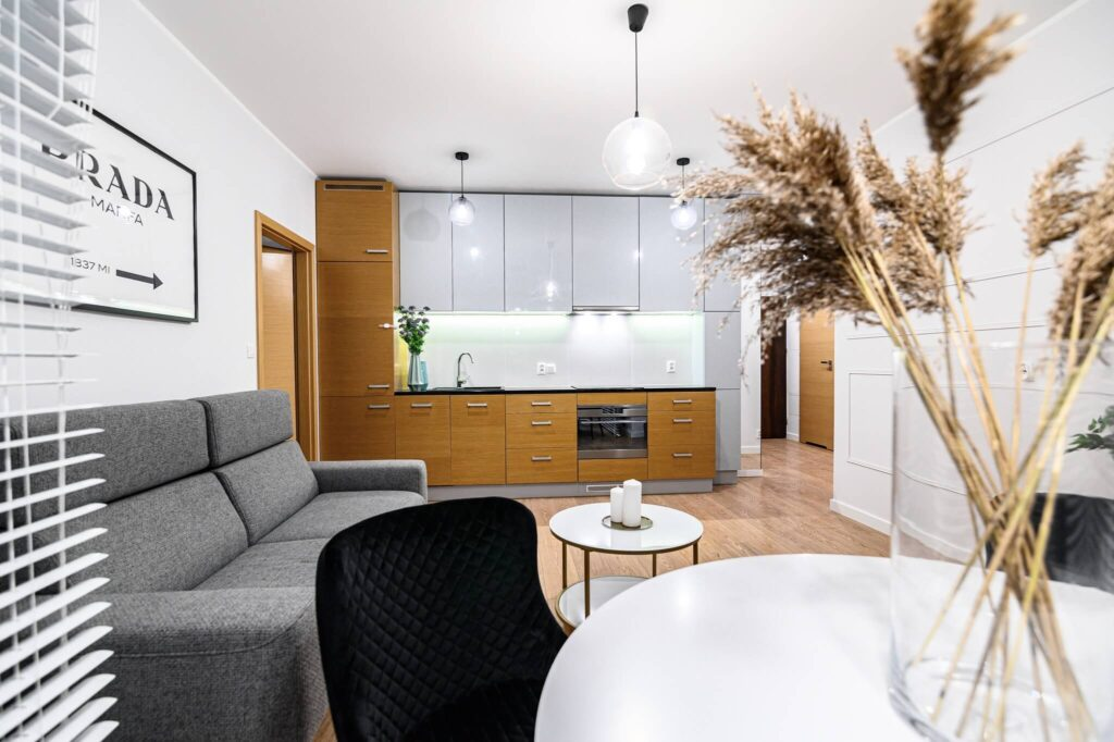 Salon z aneksem kuchennym Home Designers